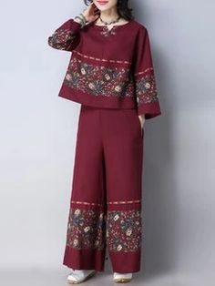 Simple Pakistani Dresses, Pakistani Fashion Casual, Indian Fashion Dresses, Pakistani Dress Design, Indian Designer Outfits, Girls Fashion Clothes, Designer Dresses, Fashion Outfits, Beautiful Dress Designs