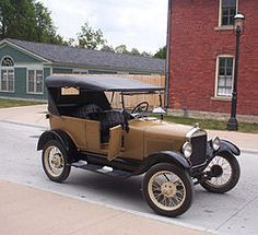 Ford Model T's for Sale. Model T Ford Manuals, Parts and much more. 1923 Model T Fords and more. Ford Motor Company, Luxury Sports Cars, Sport Cars, Henry Ford, Cars Vintage, Antique Cars, Vintage Auto, Vintage Theme, Retro Cars