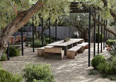 Maison Napa. Pergola. Steel with pea gravel.