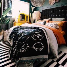 Dark Cozy Bedroom, Edgy Bedroom, Room Ideas Bedroom, Cozy Room, Bedroom Inspo, Dream Bedroom, Home Decor Bedroom, Dark Home Decor, Eclectic Bedroom Decor