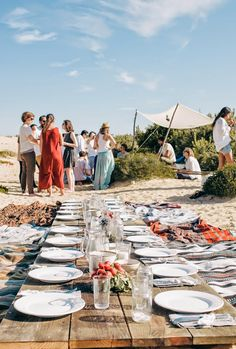 Kinfolk spirit: L'Esprit de la Mer – Llamas' Valley Seaside Beach, Beach Picnic, Beach Party, Party Party, Party Time, Party Ideas, Indoor Camping, Birthday Bbq, Entertainment Table