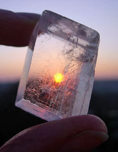 Vikings used sunstones (possibly iolite) - calcite crystals that produce patterns when exposed to the sun's polarized UV rays. These patterns can pinpoint the sun's position behind banks of clouds, fog and even below the horizon. Crystals Minerals, Rocks And Minerals, Viking Life, Norse Vikings, Vikings Ragnar, Calcite Crystal, Viking Symbols, Asatru, Norse Mythology