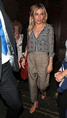 Image Fashion, Work Fashion, Fashion Fashion, Runway Fashion, Fashion Outfits, Fashion Trends, Looks Style, Looks Cool, Sienna Miller Style