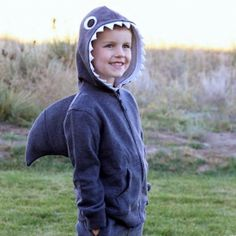 Need a fun, simple Halloween costume? Check out this easy Shark with Dorsal Fin tutorial!