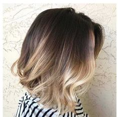 Looking to go back to natural hair color from platinum blonde - Imgur Ombre Bob Hair, Blond Ombre, Brown Ombre Hair, Short Brown Hair, Ombre Hair Color, Blonde Balayage, Short Ombre, Bayalage Bob, Blonde Color