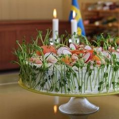 New party snacks sandwiches Ideas Appetizer Sandwiches, Tea Sandwiches, Party Snacks, Appetizers For Party, Sandwich Torte, Food Carving, Food Garnishes, Swedish Recipes, Food Decoration
