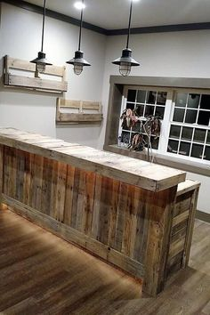 Ideas Pallet pallet-bar-and-bottle-racks - The creative people know how to use the recycled wood pallets to inspire others with their creation, nothing is better than the furniture that is. Recycled Wood, Home Bar Designs, Remodel, Basement Remodeling, New Homes, Bars For Home, Mini Bar, Bar Design, Pallet Diy
