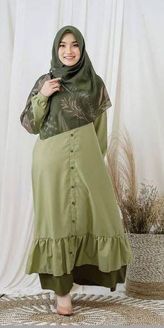 Abaya Fashion, Fashion Muslimah, Hijab Dress, Kebaya, Beauty Hacks, Beauty Tips, Fashion 2020, Abaya Style, Womens Fashion