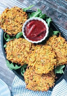 Veggie Potato Fritters - super easy, super crispy, potato fritters with added extra veggies. These are baked, not fried, which means they need no oil! They make a perfect side dish, snack, or even breakfast! #vegan #oilfree #potatoes #dairyfree #glutenfree #easy #kidfriendly #vegetarian Chickpea Flour Recipes, Vegan Recipes, Free Recipes, Vegan Appetizers, Appetizer Recipes, Potato Fritters, Vegan Sour Cream, Side Dishes Easy, Fruits And Veggies