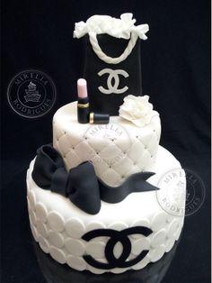 cake#chanel#basic#chic Mirella Rodrigues arrasa sempre! Não tem como não se inspirar em seus trabalhos!