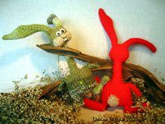 Crochet hare 2009 by Lonija Sagena. For more visit http://www.lofonsa.blogspot.com/p/zaki.html