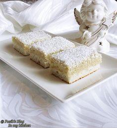 Prajitura Raffaello Romanian Desserts, Romanian Food, Romanian Recipes, European Dishes, Sweet Tarts, Vanilla Cake, Cheesecake, Food And Drink, Pie