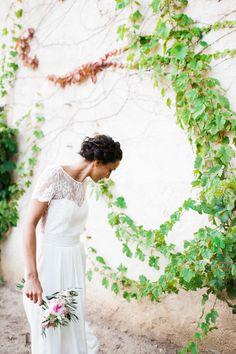 Un mariage pastel dans le Beaujolais – La mariée aux pieds nus – Photos : Marion Heurteboust