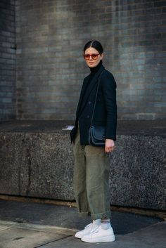 """Forget About the Shows — London Fashion Week Was All About the Street Style - Day 1 """"Day 1 You are in the right place about trends qu - Street Style Outfits, Mode Outfits, Street Style Women, Casual Outfits, Fashion Outfits, Womens Fashion, Woman Outfits, Blazer Outfits, Ladies Fashion"""