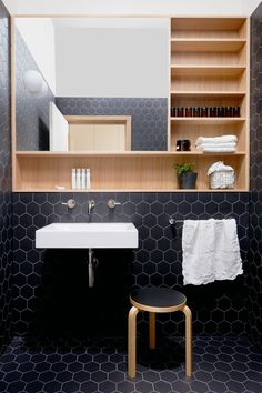 Completed in 2016 in Thornbury Australia. Images by Ben Clement. Thornbury House responds to the needs of a growing family to create a space that is both intimate and generous. The client required a renovation from. Black Hexagon Tile, Black Tiles, White Tiles, Honeycomb Tile, Hexagon Tiles, Bathroom Interior, Modern Bathroom, Small Bathroom, Bathroom Black