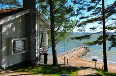 HELSINKI CITY AND ARCHIPELAGO FOR 8-16 PEOPLE Hotel by the sea with an idyllic sauna. Paddling tour to the summer of the Helsinki archipelago. Slowly with pleasure you will also walk through the Helsinki center by tasting food or music.  Photo: Best Western Rantapuisto