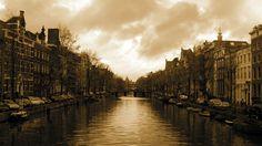 #Amsterdam #Canal #HulplijnAmsterdam