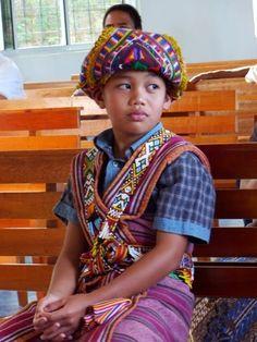 rungus Borneo, Traditional Outfits, Ethnic, T Shirt, Dresses, Fashion, Supreme T Shirt, Vestidos, Moda