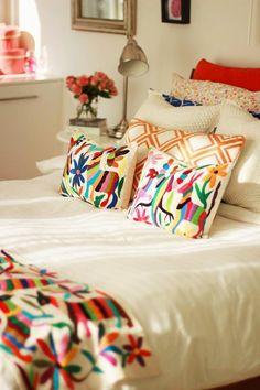 Otomi at Home // Mexico Inspired // Bedroom decor