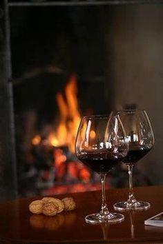 Um bom vinho à lareira ...