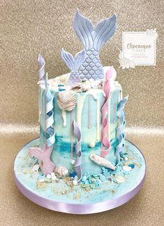 Sirenita Cake, Birthday Drip Cake, Wedding Shower Cookies, Happy Unbirthday, Ocean Cakes, Drizzle Cake, Frozen Chocolate, Mermaid Cakes, Different Cakes