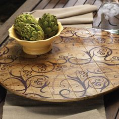 I would love this lazy susan for the kitchen table.  wonder if papa could make one like it?