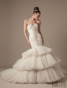 Dennis Basso for Kleinfeld 2013 collection - Bridal - http://www.flip-zone.net/fashion/bridal/the-bride/dennis-basso-for-kleinfeld-3965