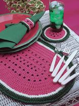 Cute Crochet Patterns Watermelon Placemat Set free crochet pattern - 10 Free Crochet Placemat Patterns - What better than these placemat crochet patterns to dress up your table? They are so perfect and so convenient. Get the 10 free patterns here. Crochet Gratis, Crochet Diy, Crochet Home Decor, Crochet Apple, Crochet Ideas, Crochet Placemat Patterns, Crochet Potholders, Christmas Placemats, Crochet Kitchen