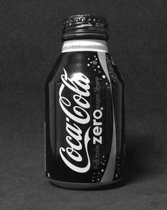 Coca Cola Zero - Japan Don't have this one from Japan. Coca Cola Cooler, Coca Cola Zero, Coca Cola Can, Always Coca Cola, World Of Coca Cola, Coca Cola Bottles, Coke Cans, Pepsi Cola, Coca Cola Brands