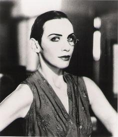 monocle  Annie Lennox