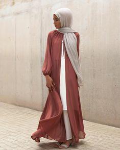 Open abaya hijab style – Just Trendy Girls Islamic Fashion, Muslim Fashion, Modest Fashion, Fashion Outfits, Modest Wear, Modest Dresses, Modest Outfits, Hijab Dress, Hijab Outfit