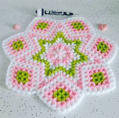 Fotoğraf açıklaması yok. Love Crochet, Crochet Flowers, Washing Clothes, Crochet Stitches, Diy And Crafts, Blanket, Beads, Knitting, Farmhouse Rugs
