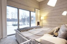 Realise a healthy and ecological Scandinavian style house with solid wood. Get inspired by contemporary designs and plan your dream home! Modern Wooden House, Wooden House Design, Inside A House, House In The Woods, Minimalist House Design, Minimalist Home, Minimalist Interior, Minimalist Bedroom, Log Home Interiors