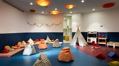 The hotel facilities to be found where children feel rock stars. Hard Rock Hotel Ibiza, Country Hotel, Real Unicorn, Paper Craft Supplies, Most Beautiful Beaches, Beach Hotels, Relax, Kids Rugs, Room