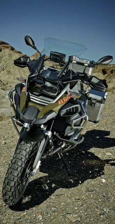BMW R 1200 GSA. During the last lunar landing, minor technical difficulties were experienced, and we were forced to lighten the pay load for the return flight. Unfortunately, none of the crew could be Bmw Adventure Bike, Gs 1200 Adventure, Bike Bmw, Cool Motorcycles, Gs 1200 Bmw, Bmw 2014, Rallye Raid, Bmw Motors, Motos Bmw