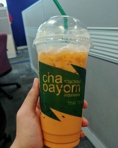 Here we go.. Another round of authentic Thailand drink.. And this time I got the original baby boo.. Iced Thai Tea or ชาเยน (Cha Yen) from Chapayom @chapayomindonesia  Once again it successfully stole my heart. This is the best Thai Tea I've ever tasted! This is beast! It was not too sweet and got the right bitter taste. Just about the bitterness level I want from Thai tea. But it lacked the strong Thai tea scent  it was too mild I just could barely smell it. Well meh who cares about the…