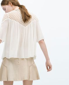 Discover the new ZARA collection online. The latest trends for Woman, Man, Kids and next season's ad campaigns. Zara Tops, Zara Women, Summer Tops, What To Wear, Women Wear, Dressing, Tunic Tops, Shirts, Outfits