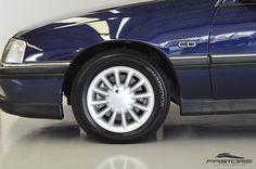 GM Omega CD 4.1 1997 . Pastore Car Collection GM Omega CD 4.1 1996/1997 na cor Azul Turner em ótimo estado de conservação. Rodas originais PowerTech 15''. Interior em perfeito estado de conservação, teto solar, painel digital e computador de bordo funcionando perfeitamente! Motor 4.1 de 6 Cilindros em Linha com 168 cv a 4500 rpm e 29,1 kgfm a 3500 rpm. Lançado em 1968, o Chevrolet Opala é até hoje uma referência nacional de status, prestígio e até esportividade. A v...