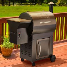 Traeger Century Wood Pellet Grill In.² Total Cooking Surface, SPCC Steel,  Kg Lb.) Capacity Pellet Hopper, Storage Compartment, Grill Cover And  Cookbook