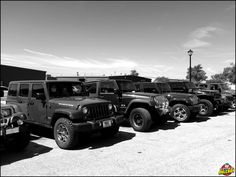 Paradise isn't so much about where you are as who you are with. ______________________________________________________ #Axleboy #offroad #Jeep #wrangler #JK #TJ #cherokee #jeeplife #stl #missouri #stpeters #Jeepshop #jeeper #jeepsfordays #repair #4x4 #4wd  #mechanic #blackandwhite #jeepthing #olllllllo