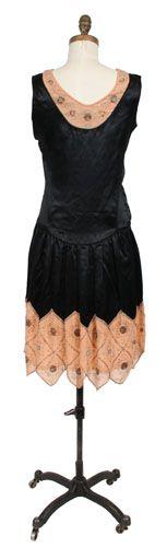 Evening dress (image 2) | 1926 | silk, bugle beads, sequins | Henry Art Gallery, University of Washington | Item #: TC 83.10-194