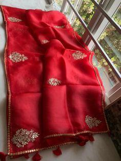 Kanjivaram Sarees Silk, Crepe Silk Sarees, Lace Saree, Organza Saree, Gota Patti Saree, Saree With Belt, Indian Designer Outfits, Saree Blouse Designs, Beautiful Saree