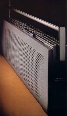 // Jacob Jensen, portable radio Beolit 707, 1975-1981. Bang & Olufsen, Denmark.