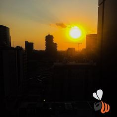 Che #tramonto in #terrazza! #sunset #skyline #june #milano #milan #sun #lovely #vscocam #marketing #branding #website #web #logo #design #summer #phooftheday #picoftheday #bestoftheday #womboit