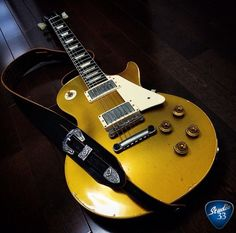 A gorgeous goldtop Les Paul (from arkay_oldman1959) Learn to play guitar online at www.studio33guitarlessons.com