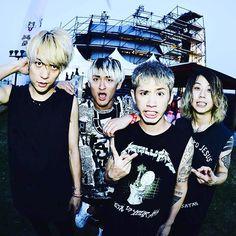 若洲で開催されていたMETROCK2016でのONE OK ROCK撮影終わり!久々の日本でのライブは更なるモンスターバンドになってた写真はライブ直後のワンオク!#サウシュー #metrock  #oneokrock  #oor