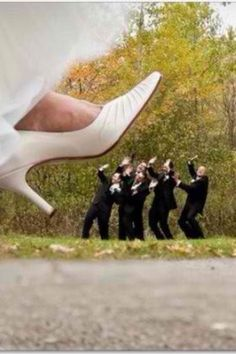 cute wedding photo shoot idea
