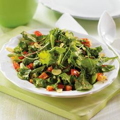Sesame seeds and oil give this quick sauté a slightly Asian feel. Ideal served on the side of pork tenderloin, ribs or chicken. Greens are a great source of vitamin A. Mixed Greens Recipe, Bean Recipes, Healthy Recipes, Salad Recipes, Soup Beans, Clean Eating, Healthy Eating, 15 Minute Meals, Summer Side Dishes
