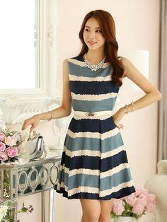 2015 new summer fashion women stripe dress sleeveless mini pleated dress with belt Simple Dresses, Nice Dresses, Short Dresses, Women's Summer Fashion, Cute Fashion, Fashion Women, Japanese Fashion, Asian Fashion, Sexy Vintage Dresses