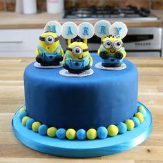 Simple Blue Minion Cake Tutorial | Despicable Me Birthday Cakes